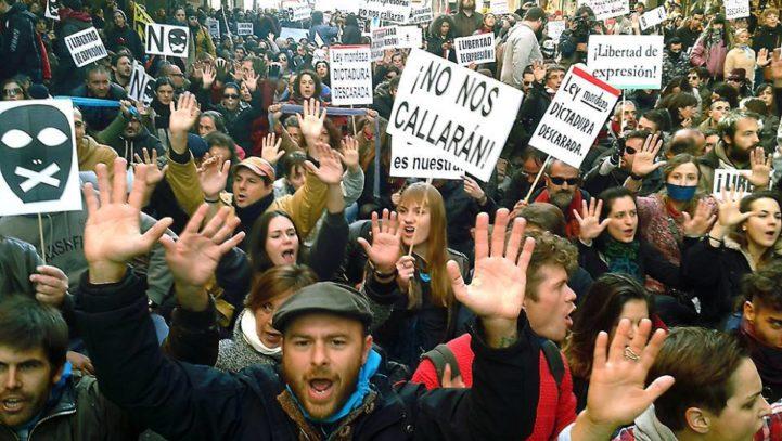 ¿El derecho a la salud es incompatible con el derecho a la protesta? Consejos para manifestarse con el menor riesgo posible