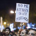 """Expertos y juristas alertan a los diputados: """"Derogar la 'ley mordaza' no es suficiente"""""""