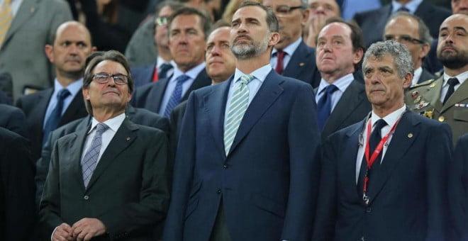 ¿Pitar el himno de España es violencia?