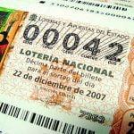 ¿Es delito no repartir el premio de lotería?