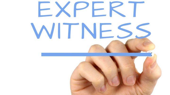 ¿Cuál es la diferencia entre un testigo y un perito?