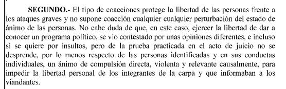 Absueltas en firme trece personas que protestaron en un acto de Vox en Vallecas